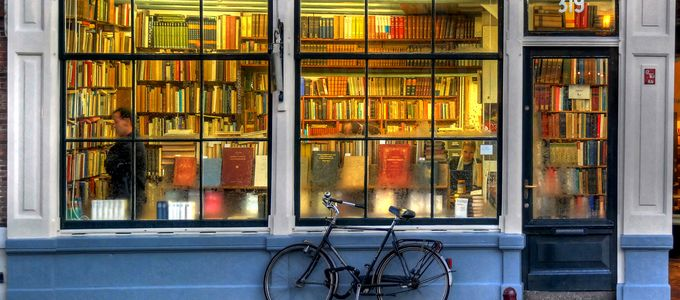 llibreria - bookstore - Amsterdam - HDR by MorBCN, on Flickr - https://www.flickr.com/photos/bcnbits/363695635