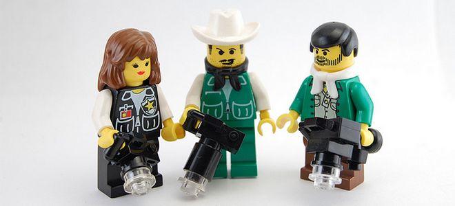 LEGO Photographers by turkguy19, on Flickr - https://www.flickr.com/photos/turkguy19/1018420551